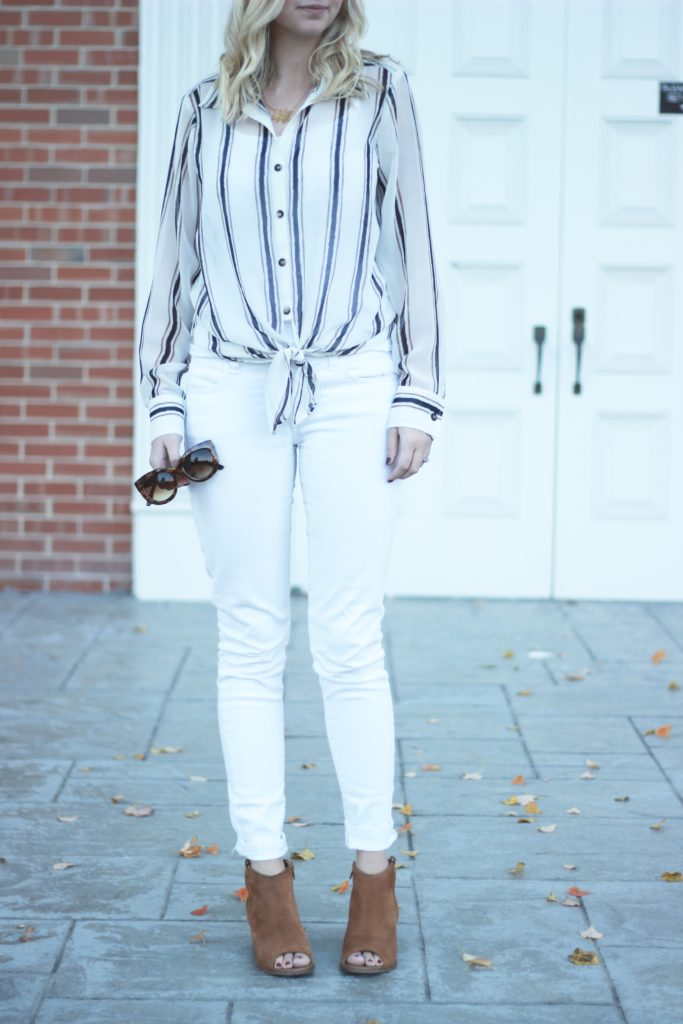 A DASH OF BRUCK All white look True Style Blouse White Jeans Chestnut Booties Stretch